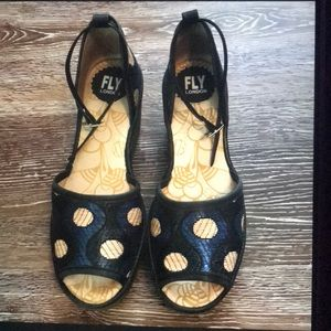 FLY LONDON wedges size 7
